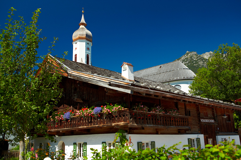 Garmisch partenkirchen zugspitze die stadt im berblick - Garmisch partenkirchen office du tourisme ...