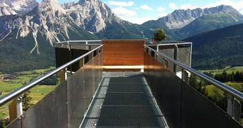 Die Aussichtsplattform Tuftalm (c) Tiroler Zugspitz Arena